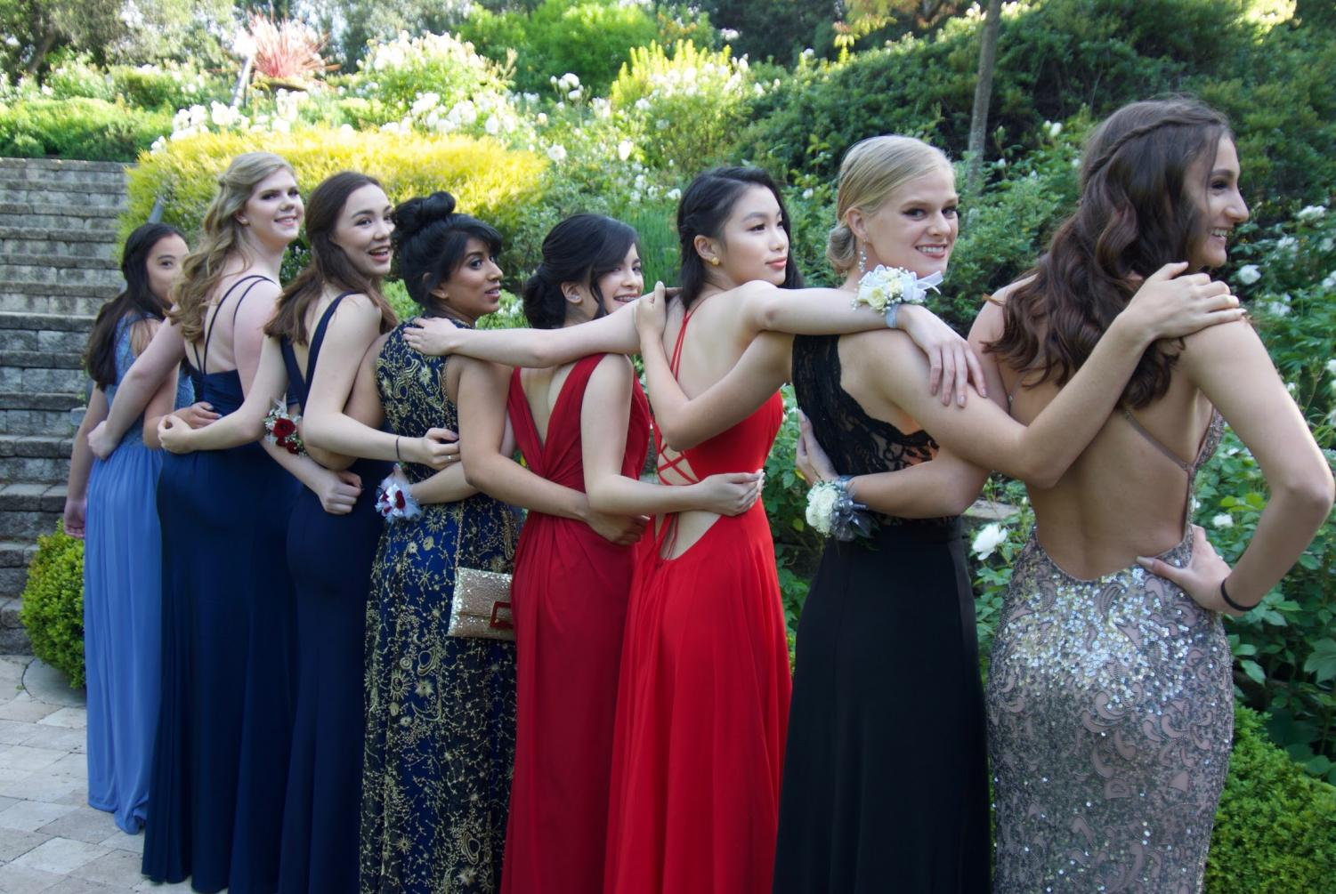 Several Mavericks have a photo shoot before going to prom.