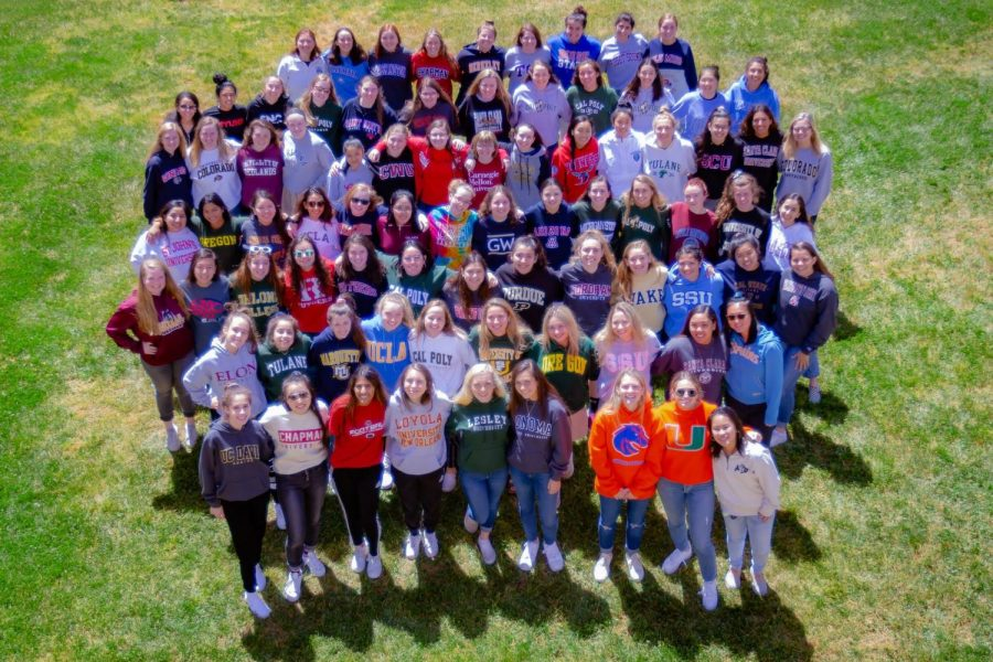 The+NDB+class+of+2019+in+college+sweatshirts+for+annual+college+photo.