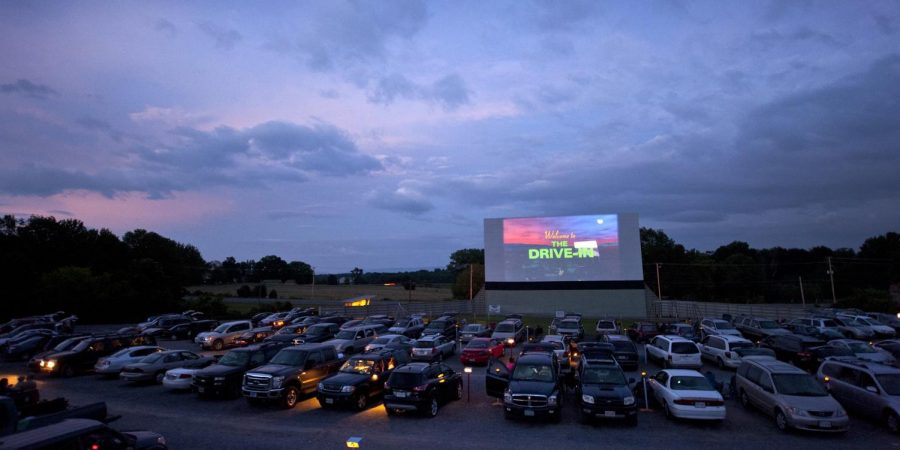 Seniors get ready for their drive in-movie