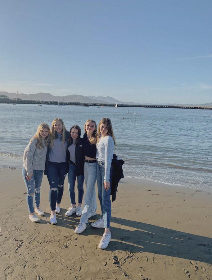 Sophomores+Kate+Davidson%2C+Meghan+Mitchell%2C+Sienna+Loar%2C+Ciara+Kingham%2C+and+Mary+Courtney+Templeton+visit+San+Francisco%2C+California.